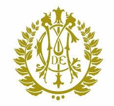 logo gótico del nacio en dorado
